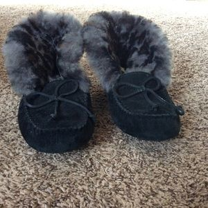 Gently Used Ugg Moccasins